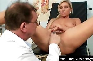 Foxy aureate girl Leona vagina gyno checkup