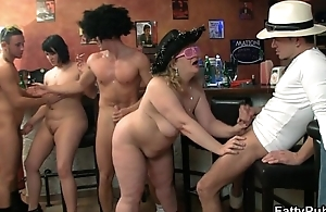 Three males have fun fucking these fat hotties