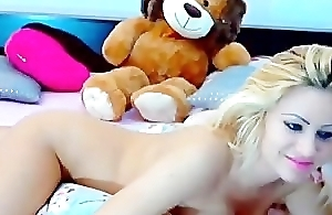 gorgeous blonde masturbating with a dildo(4).wmv