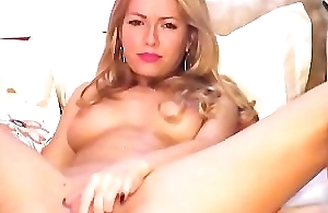 hot bonny blonde sucking on a dildo(2).wmv