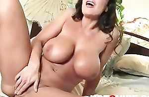 Lisa Ann Fingers Say no to Hot Bald Pussy