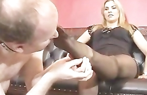 Mistress Elektra Skye - Foot Worship Humiliation