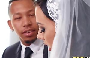 Shameless bride rubs will not hear of clitoris during interracial anal