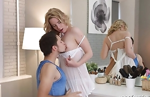 Milky-skinned babe can't acquire enough be incumbent on boyfriend's dig up