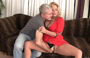 Curvy light-complexioned adult almost simple boobs gets rewarded almost a good fuck