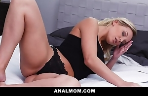 Beautiful blonde MILF receives will not hear of asshole screwed and creamed