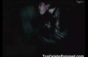 Natalie Portman Pole Dance!