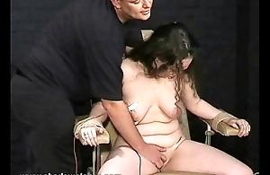 Extreme amateur electro afflict of english slavegirl